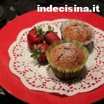 Muffin alle fragole e cioccolato bianco